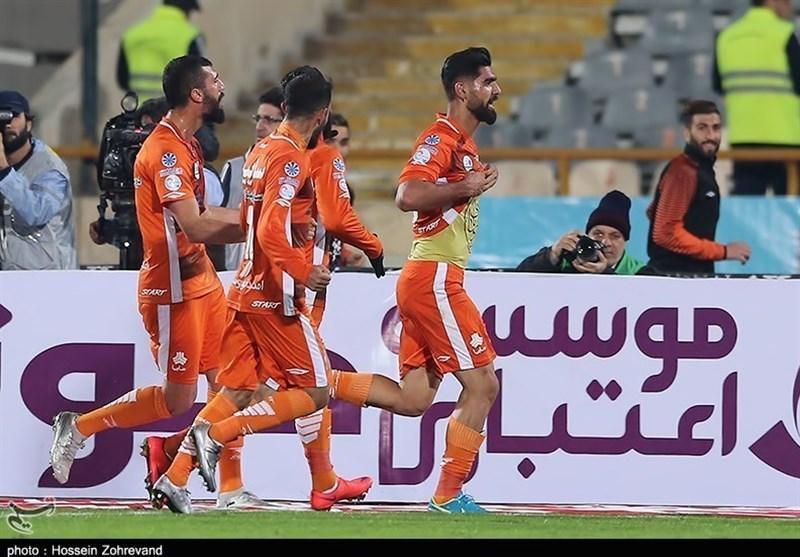 لیگ برتر فوتبال، فزونی سایپا در خانه ذوب آهن، شاگردان دایی ترمز شاگردان علی منصوریان را کشیدند